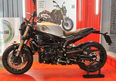 Motociclismo presenta la Leoncino 800