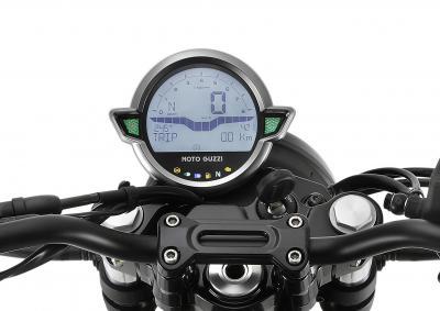 Moto Guzzi V7 Stone: più ricca e motore derivato dalla V85 TT