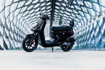 Niu presenta il nuovo modello di punta MQi GT