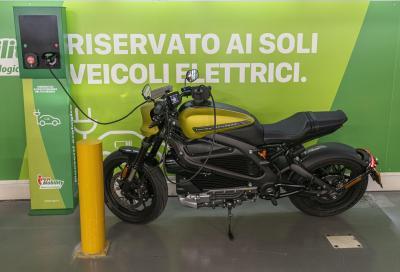 Moto elettriche: nuova etichetta UE per veicoli e colonnine