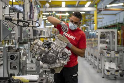 Ducati: consegne in calo, ma fatturato per moto in crescita nel 2020