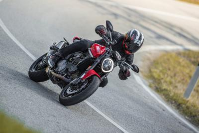 Ducati Monster 2021: come va, pregi e difetti
