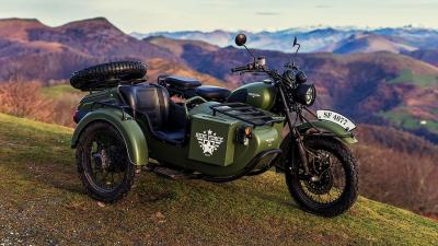 Mash Side Force 400, il sidecar dal look militare