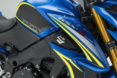 Suzuki annuncia l'arrivo della nuova GSX-S1000. Il video teaser