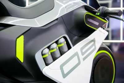 Segway Apex H2, la moto a idrogeno (low cost!)