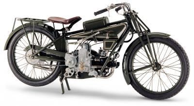 Una mostra itinerante per i 100 anni di Moto Guzzi