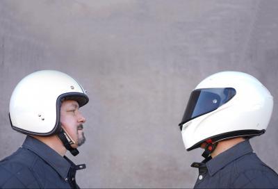 Un integrale protegge più di un casco aperto. Ma quanto di più?