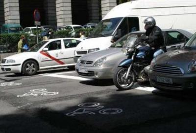 """""""Fast lane"""" per motociclisti ai semafori, in Spagna il progetto pilota"""