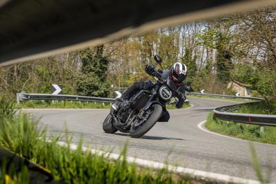 Honda CB1000R 2021: come va, pregi e difetti