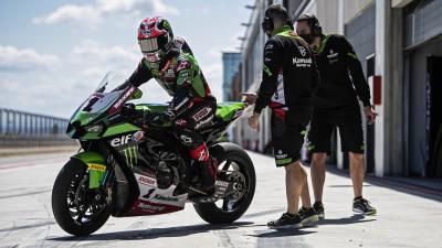 Giri motore delle Superbike: i limiti imposti dal regolamento