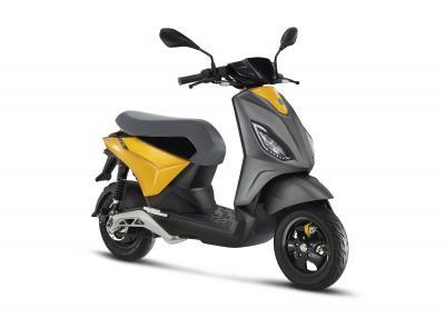 Piaggio presenta il nuovo scooter elettrico ONE