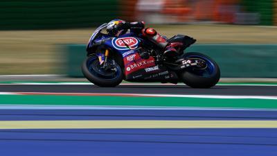 Razgatlioglu batte Rinaldi e regala a Yamaha la prima vittoria stagionale