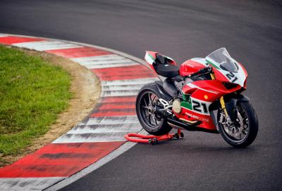 Tributo a Troy Bayliss, Ducati presenta una nuova Panigale V2