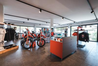 KTM annuncia l'apertura della concessionaria Motorfan Riccione