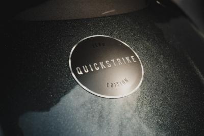Con il pacchetto Quickstrike l'elettrica Zero SR/F si veste di sportività