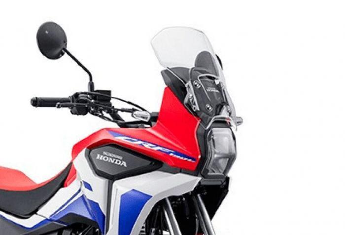 Una piccola Africa Twin: Honda toglie i veli alla CRF190