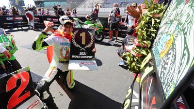 Adrian Huertas è campione del mondo Supersport 300