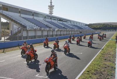 KTM RC 8C: consegnati a Jerez i primi 25 esemplari