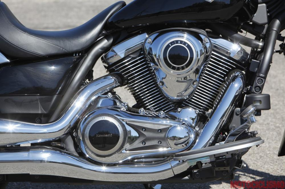 Kawasaki VN1700 Classic: motore regolare e fluido, ma beve e scalda e il carattere non conquista