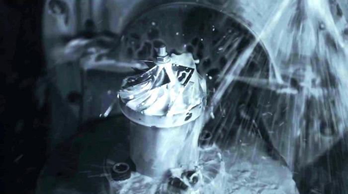 Ecco come nasce la girante del compressore della Kawasaki Ninja H2