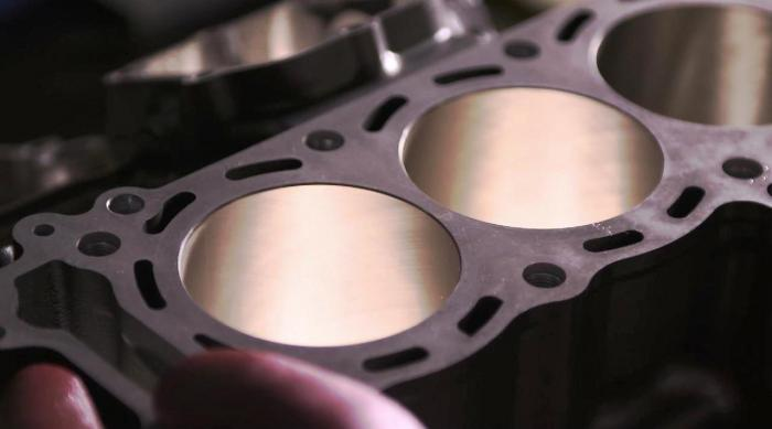 Kawasaki Ninja H2R: il blocco cilindri