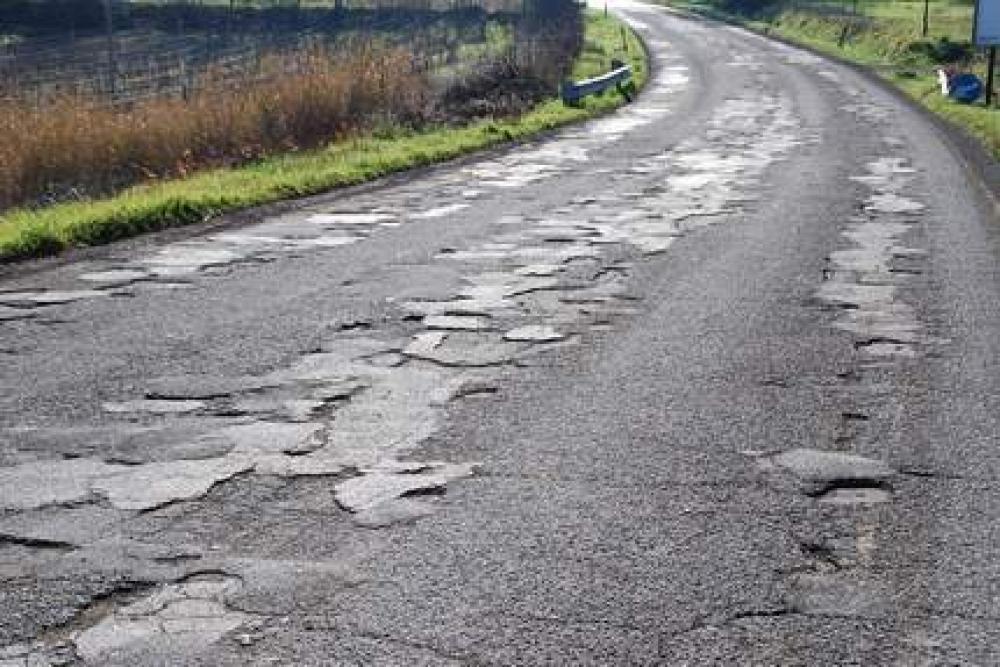 Dissesti nell'asfalto che possono inficiare la guida