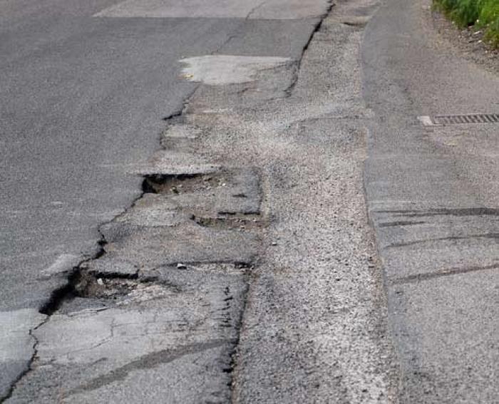 Un fondo stradale in grado di mettere in difficoltà la migliore enduro