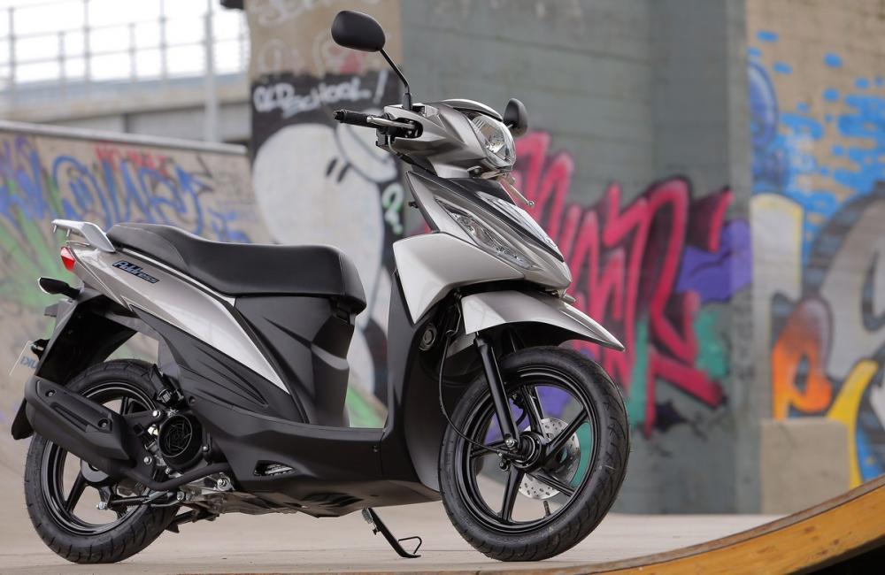 suzuki address 110 2015 le foto del test motociclismo. Black Bedroom Furniture Sets. Home Design Ideas