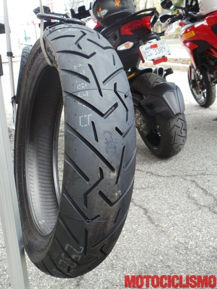pirelli scorpion trail ii le foto della giornata di test motociclismo. Black Bedroom Furniture Sets. Home Design Ideas