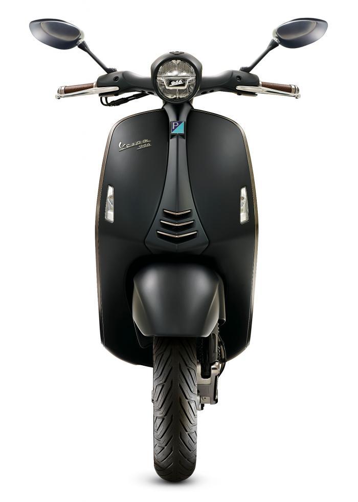 Vespa 946 Emporio Armani: 10.150 euro chiavi in mano