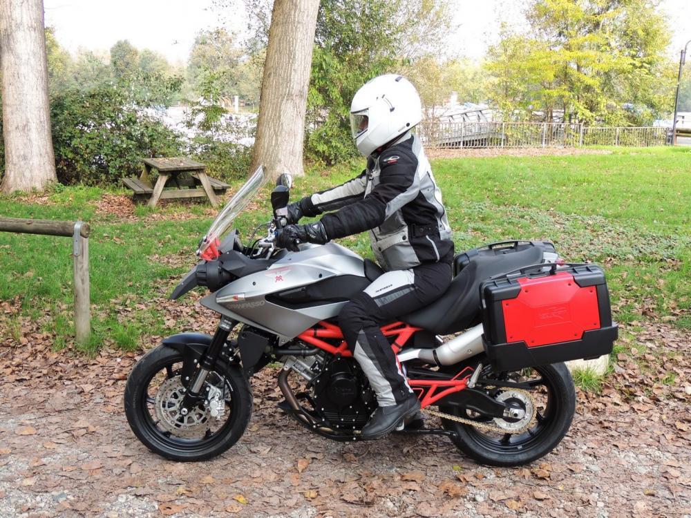Moto Morini Granpasso R: novità 2016 fotografata durante i collaudi