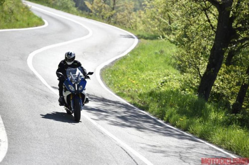 Comparativa Sport-Tourer 2016 di Motociclismo nelle Marche. Le sfidanti:  BMW R 1200 RS