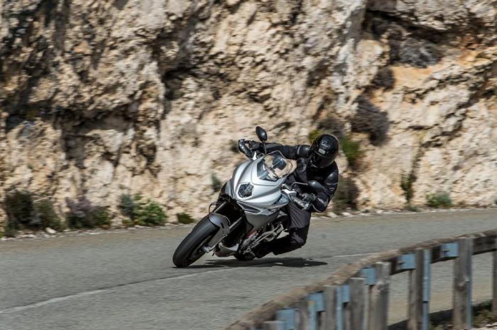 Comparativa Sport-Tourer 2016 di Motociclismo nelle Marche. Le sfidanti:  MV Agusta Turismo Veloce