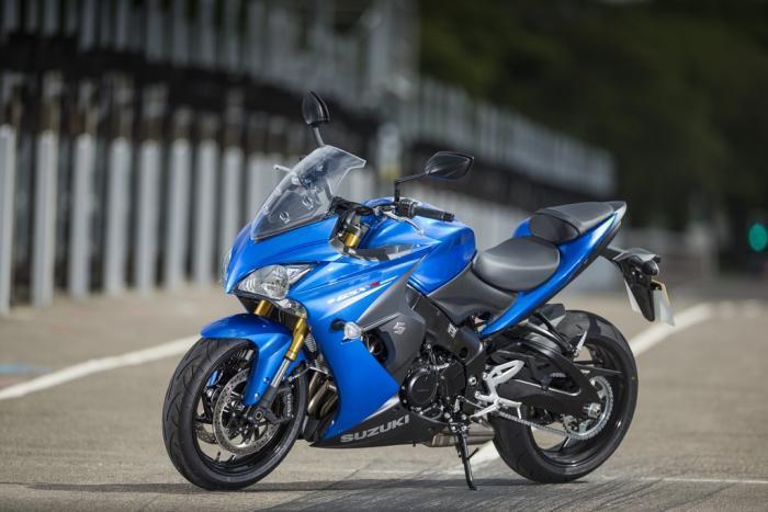 Comparativa Sport-Tourer 2016 di Motociclismo nelle Marche. Le sfidanti:  Suzuki GSX-S1000F