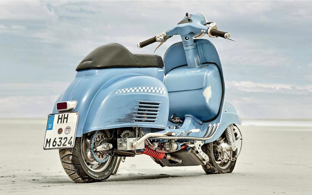 Vespa modificata, special con motore Husqvarna 360 cc: Ten Inch Terror. L'eleganza originaria della Vespa è in qualche modo mantenuta, ma una certa aria racing non è per nulla nascosta
