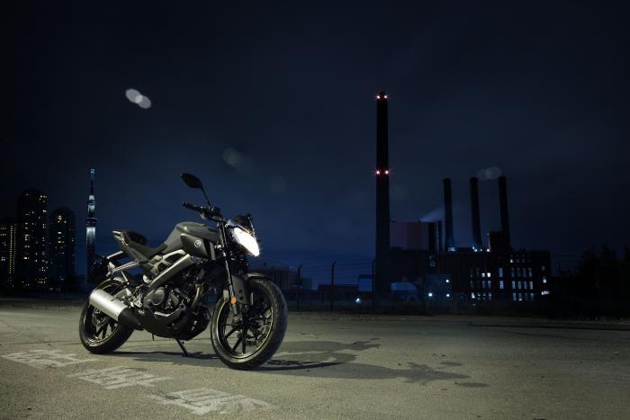 Yamaha MT-125 2017 nelle livrea Night Fluo