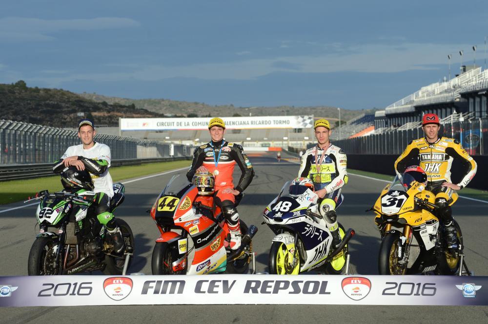 CEV 2016: tutti i campioni della stagione. Da sinistra: Cortell (ZCup), Odendaal (Moto2), Dalla Porta (Moto3) e Morales (SBK)