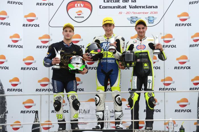 CEV 2016, Valencia: classe Moto3, il podio di Gara 2. Vince Fernandez, seguito da Dalla Porta e Foggia