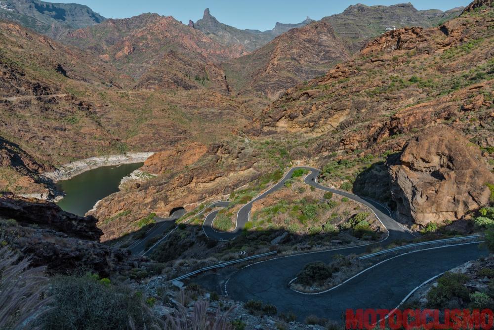 ViaggiViaggio in moto in Spagna: a Gran Canaria con la Ducati XDiavel. Strada GC606: un dedalo d curve, il paradiso dei motociclisti