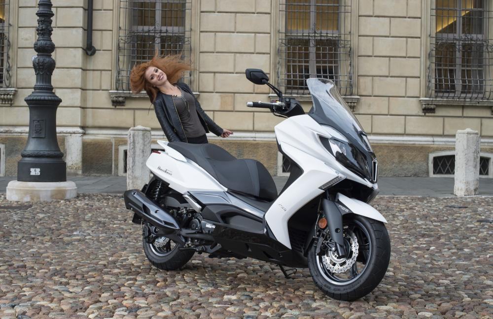 kymco downtown 350i abs 2017  le foto