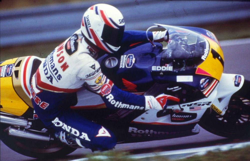 Eddie Lawson nel 1989, anno in cui l'americano passa da Yamaha a Honda (vincendo il titolo della 500)