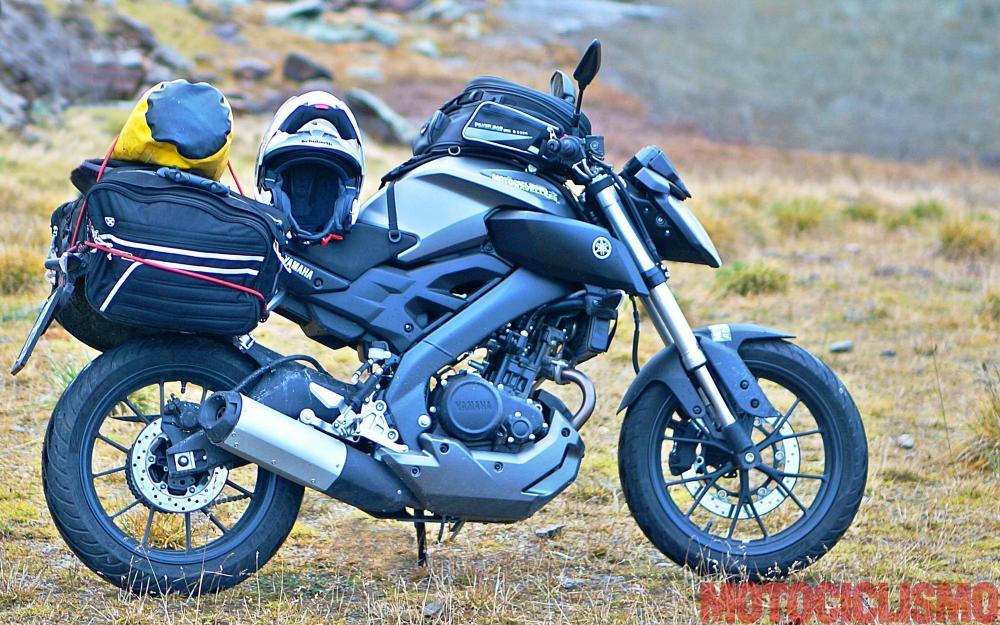 Mega comparativa turistica: la 24 Ore delle Alpi. Tappa 3: Biasca (Canton Ticino, Svizzera) – Dalmine (BG). Uno dei mezzi coinvolti è la Yamaha MT-125