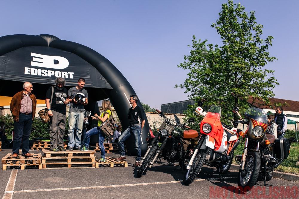 """The Bike Field 2017: la proclamazione delle moto vincitrici della categoria """"Traveller"""". Trionfa la Kawasaki di Filippo Zaccarini (la moto è a sinistra, nella foto), seguita dalla BMW di Andrea Spinoni (al centro) e dalla BMW di Flavio Carato"""