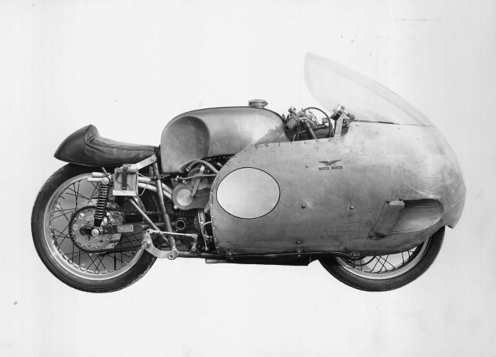 Moto Guzzi 8 cilindri GP 500: versione del 1955 (notare la sella che fa anche da codino)