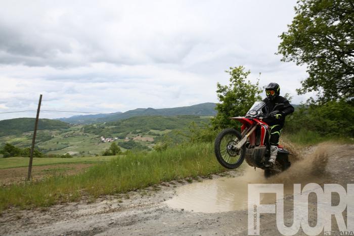 Honda CRF250 Rally: nonostante i 25 CV in sella ci si diverte