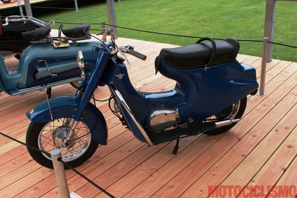 Concorso di Motociclette 2017: il Rumi Scoiattolo, 1954, motore bicilindrico di 124 cc. Questo scooter si è classificato 3° nella classe B