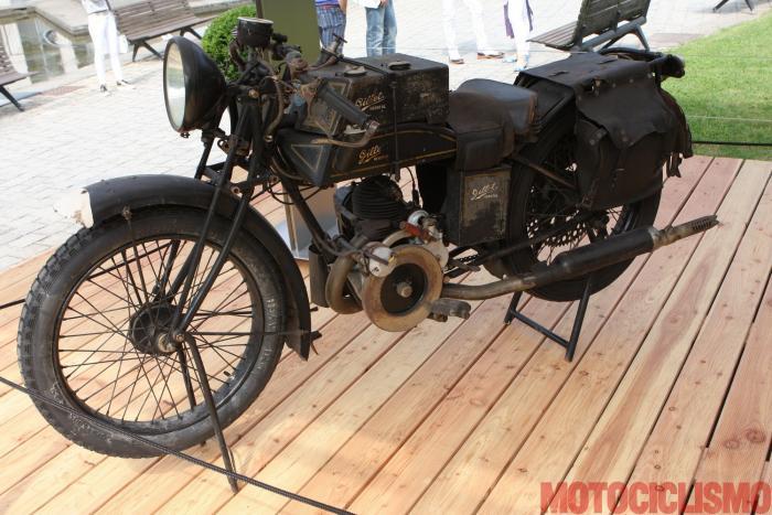 Concorso di Motociclette 2017: la Gillet Tour du Monde, 1926, motore monocilindrico da 347 cc. Questa moto si è classificata prima nella Classe A