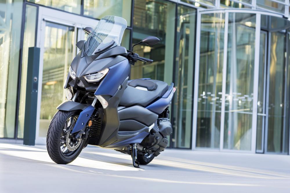 La versione 2018 dell'X-Max 400: il family feeling è quello dei modelli sportivi Yamaha