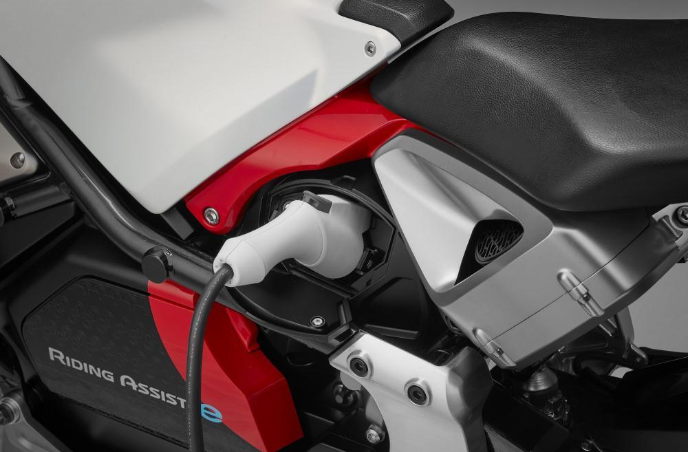 Honda Riding Assist-e è spinta da un motore elettrico