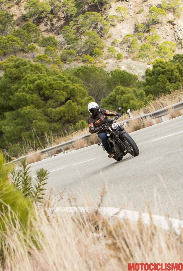 Triumph Bonneville Bobber Black 2018: foto dal press test in Spagna